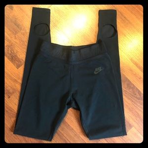 NWOT Nike leggings with Foot holes. Size XS.
